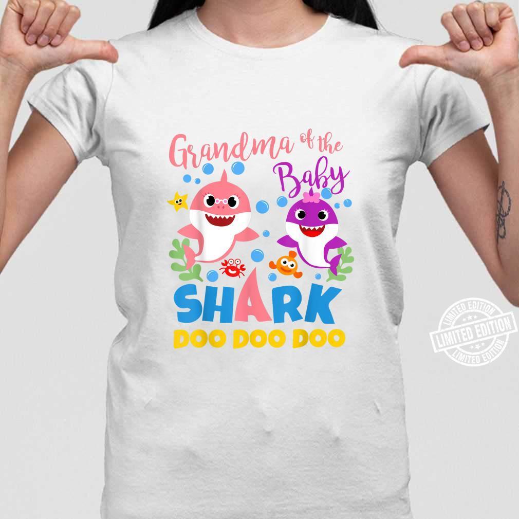 Oma des Baby Shark Boy Blau Rosa Familiengeschenk Doo Doo Shirt ladies tee